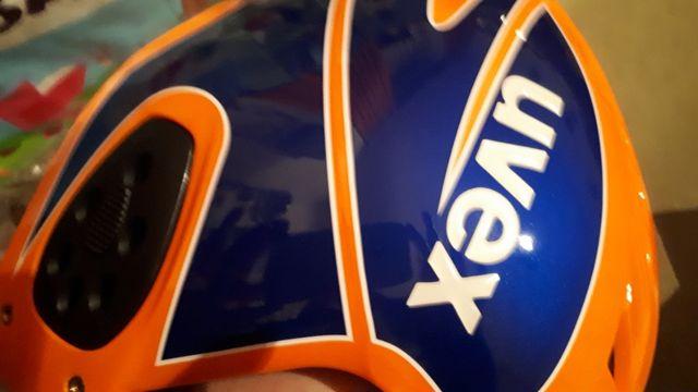 Kask młodzieżowy UVEX