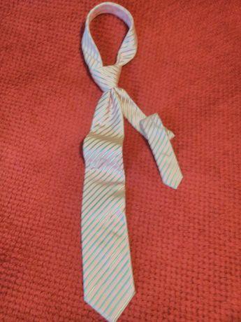 Piękny krawat męski