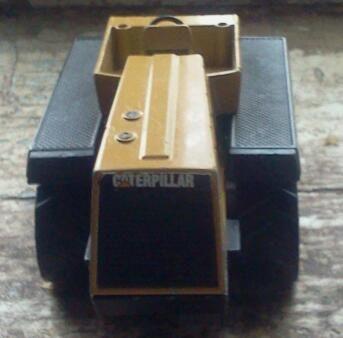 модель-игрушка масштаб 1:50,трактор Caterpillar Challenger 65B,б/у