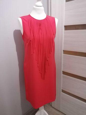 Malinowa sukienka z frędzlami rozm 38