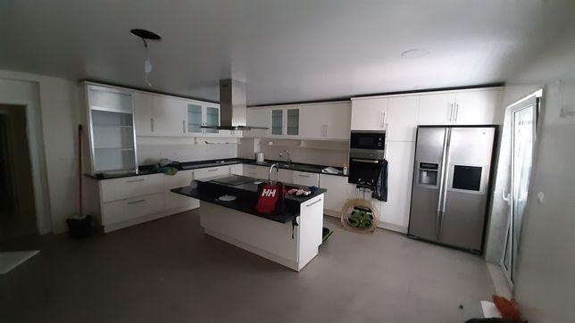 Móveis de Cozinha + Bancadas