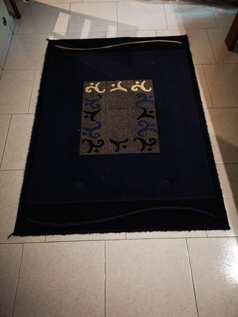 2 carpetes