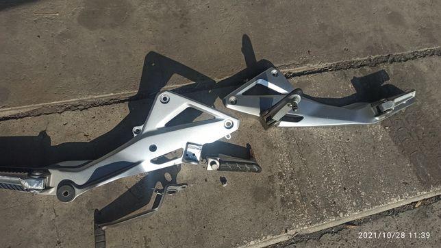 Крепление ножек HONDA CB600F HORNET