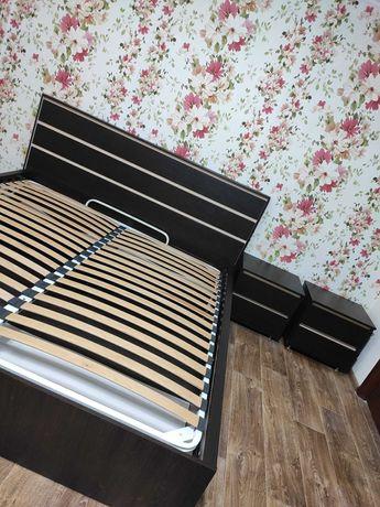 Кровать+2 тумбы. 180х200 с подъемным механизмом + прикроватные тумбы