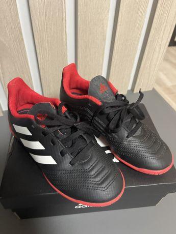 Adidas дитячі кросівки