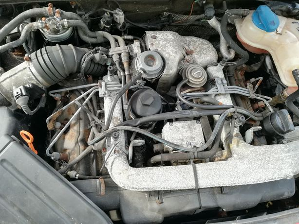 Kompletny silnik pompa audi a4 b6 2.5 tdi Bdg