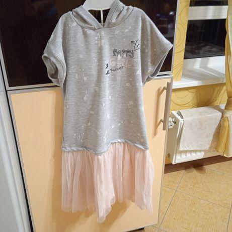 Трикотажное платье с коротким рукавом и капюшоном