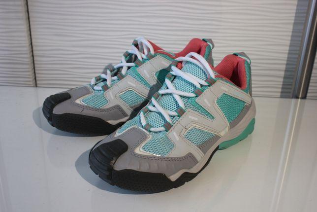 Кросівки Quechua