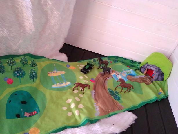 Игровое поле с лошадьми и трактором Hasbro