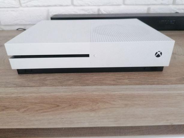 Xbox one s 500gb plus dwa pady