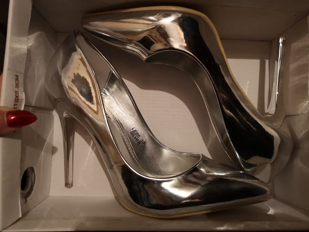 Szpilki, buty ślubne