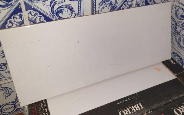 Revestimento Ceramico branco embalado
