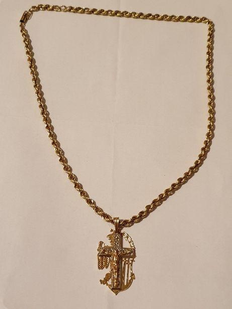 Złoty łańcuszek z przywieszka