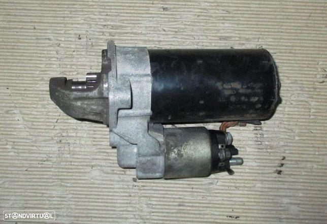 Motor de arranque para BMW 320d e90 Bosch 0001115046 12V