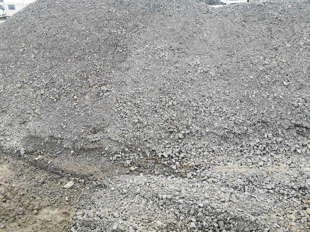Kamień, kliniec,tłuczeń,mieszanka ,piasek, żwir,wapno nawozowe, ziemia