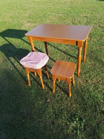 Stół i dwa taborety/krzesła 60x100
