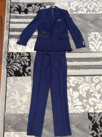 Шкільний костюм на хлопчика