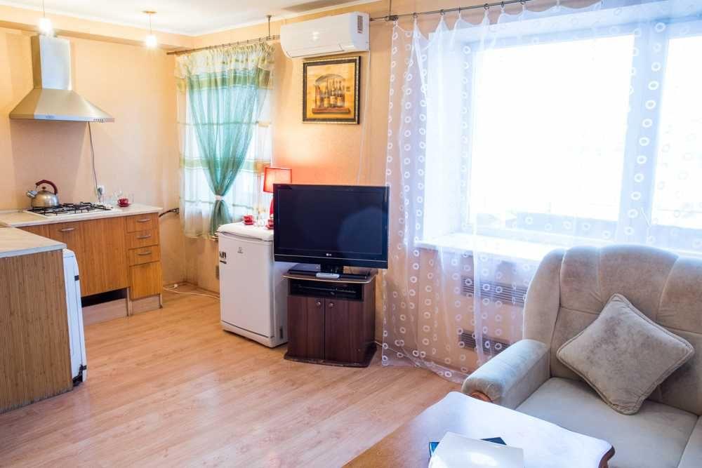 Квартира для 4 гостей - метро 23 Августа, Ботанический сад-1