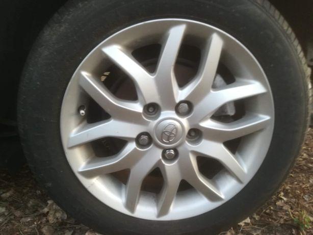 Felgi aluminiowe Toyota auris 5x100 R16