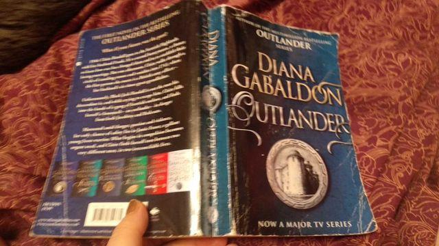 книга английский язык Diana Gabaldon Outlander