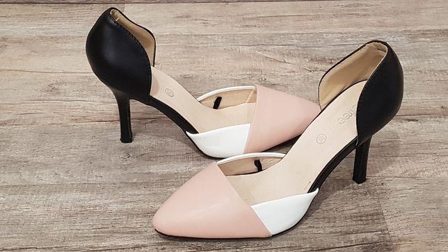 Befree очень нежные, красивые трехцветные туфли. Состояние новых