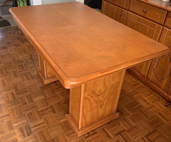 Mesa de Jantar em cerejeira extensível