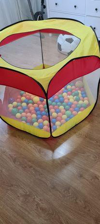 Namiot suchy z piłeczkami.