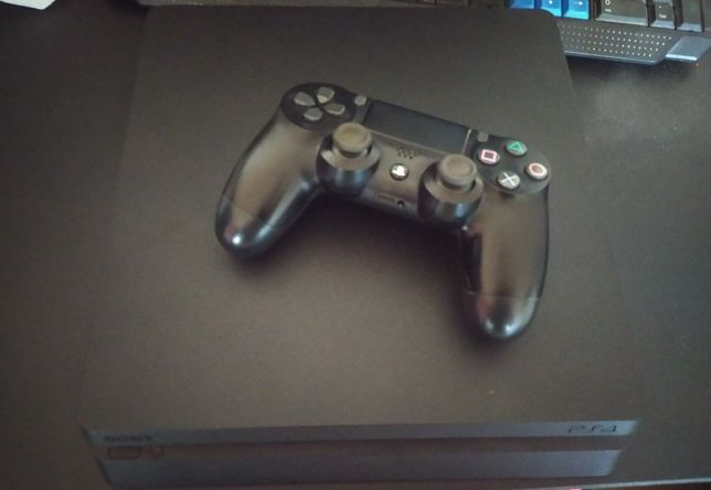 PlayStation 4 slim 1 tb stan idealny