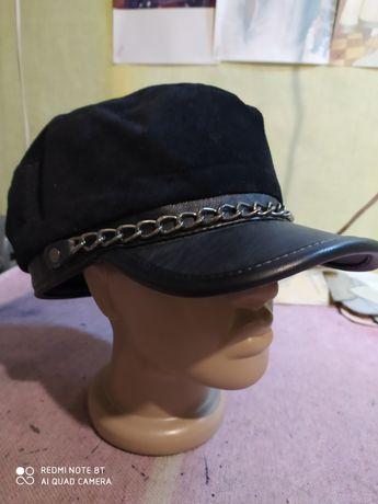Головные уборы шапки из натуральной кожи и меха.