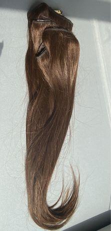 Натуральные русые волосы на заколках