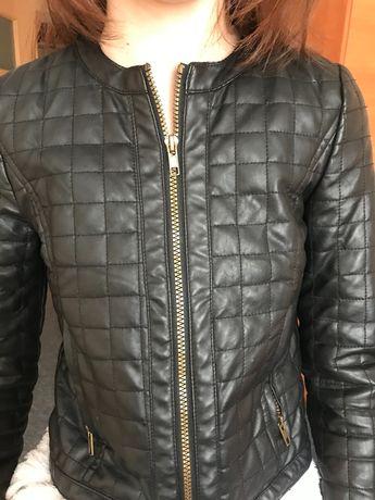 Модная курточка из кожзаменителя на девочку 10-11 лет