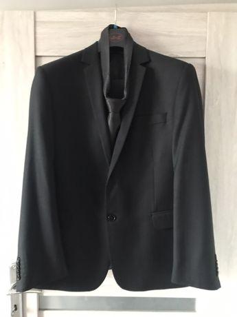 Czarny garnitur 52/170