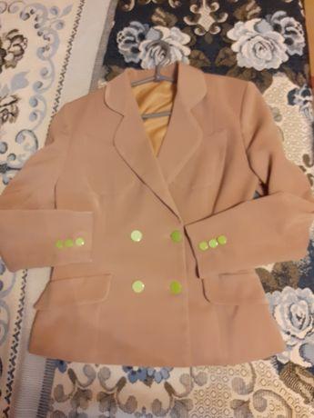 Пиджак двубортный на подкладке