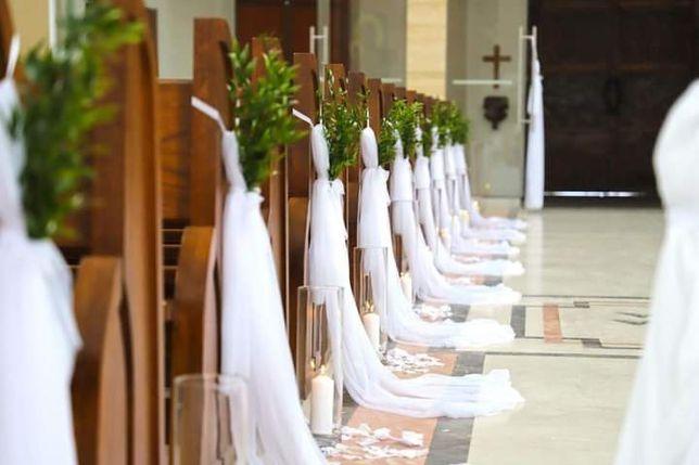 Dekoracja ślubu kościoła sali weselnej