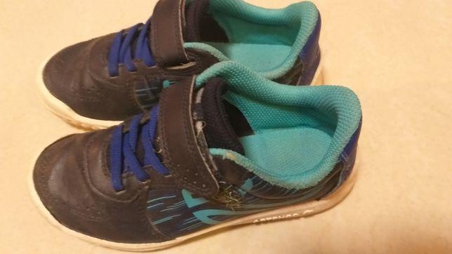 Adidaski buty sportowe na rzepę dla chłopca 30