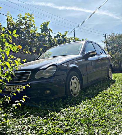 Mersedes-Benz c180