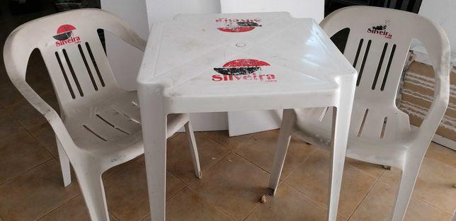 """Cadeiras (2) e mesa esplanada """"Silveira"""",  por 25€"""
