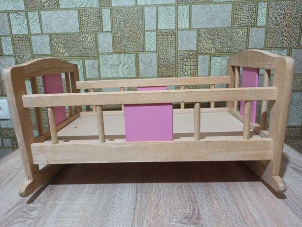 Деревянная кроватка для кукол