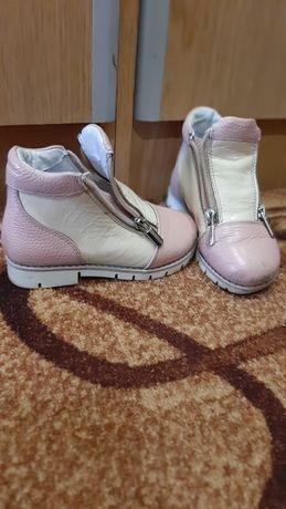Взуття  ортопедичне  дівчинка