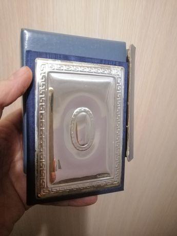 Новый блокнот с обложкой в серебре