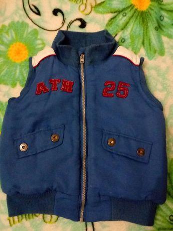 Безрукавка тепла,104,3-4 роки,жилетка,куртка,курточка