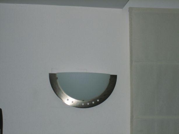 candeeiro de parede meia lua