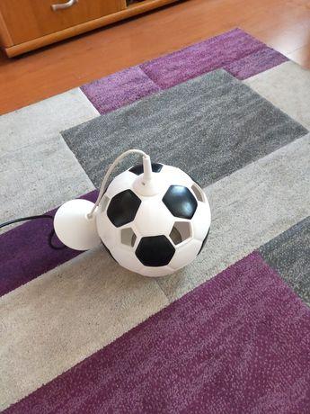 Fajny żyrandol piłka