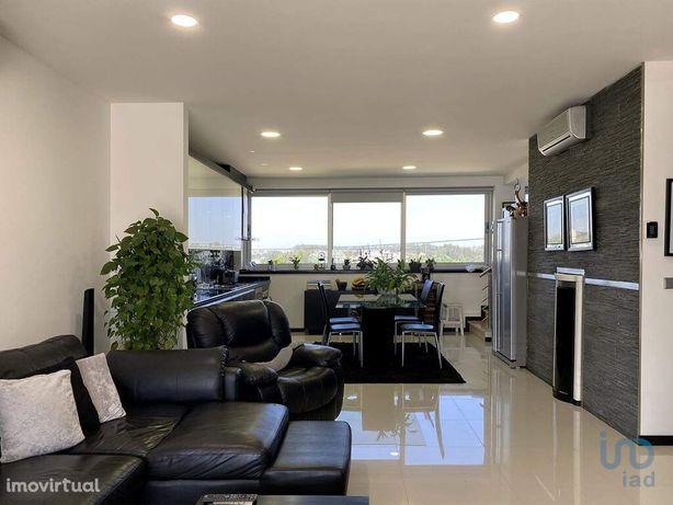 Moradia - 267 m² - T3