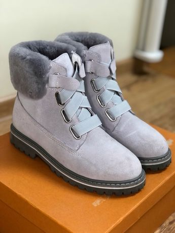 Зимние ботинки, сапоги  UGG