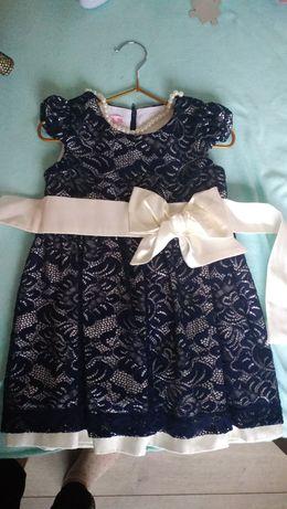 Нарядное платье для девочки 98 размер.