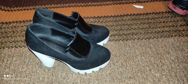 Женские туфли 38 р