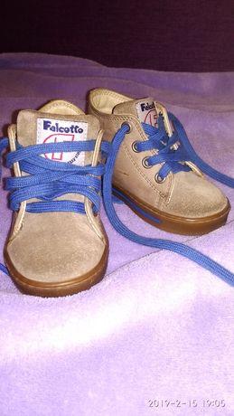 Ботиночки кожаные демисезонные ботинки фирменные кроссовки 21размер