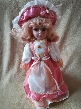 lalka z porcelany