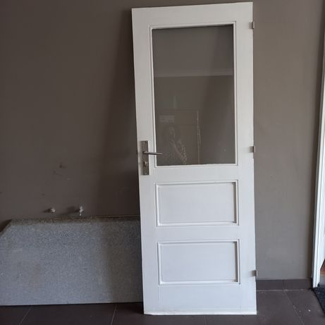 Porta madeira  maciça com fechadura nova